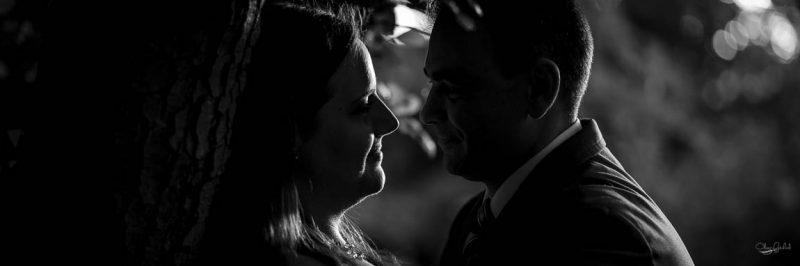 photo de couple dans un parc de Strasbourg