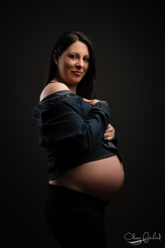 Photos de grossesse au studio photo d'Olivier Fréchard