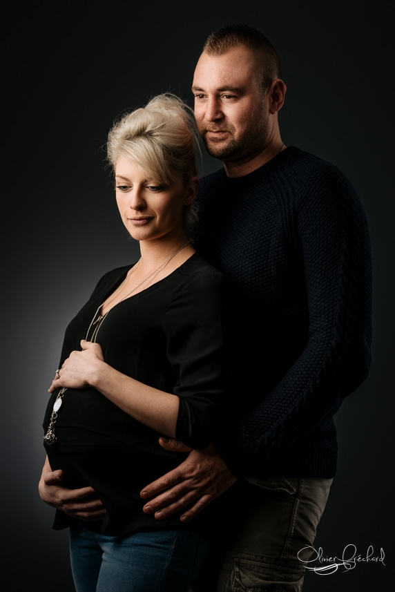 photo de femme enceinte grossesse en studio à Strasbourg