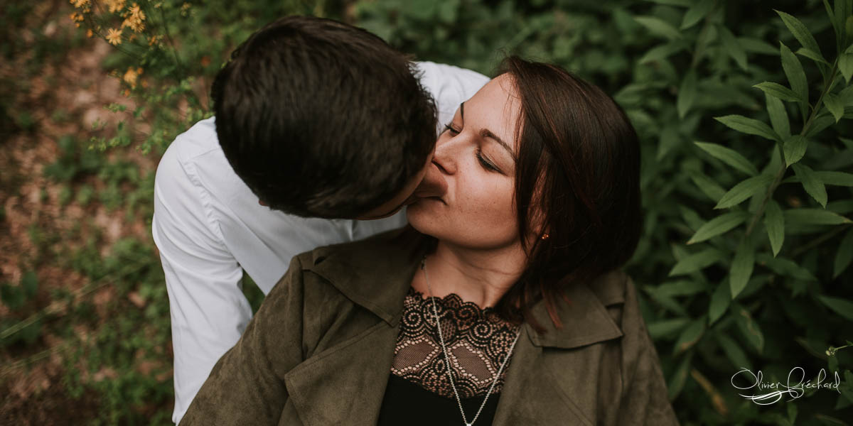 photographe-couple-engagement-alsace-strasbourg-love-emotions-amour-foret-nature-simple (1)