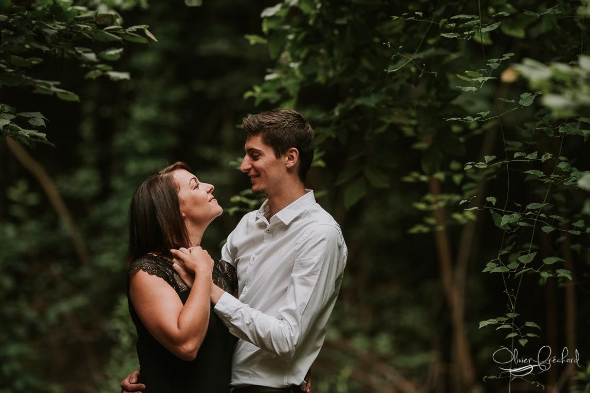 photo de couple en foret