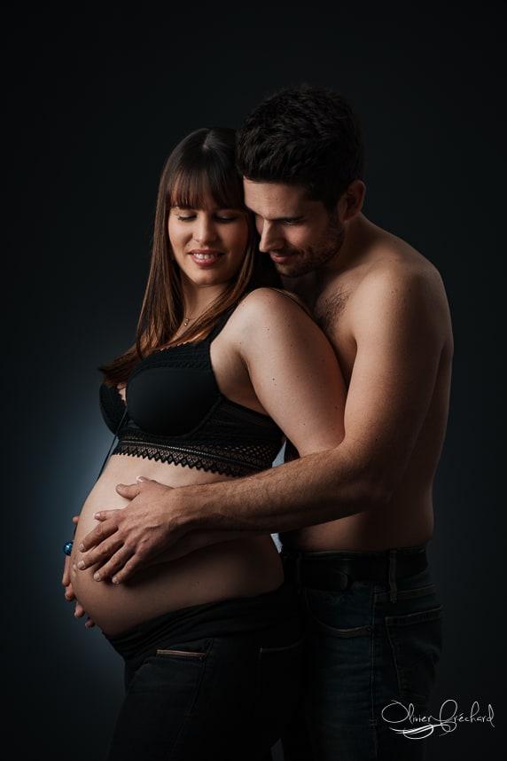 photos de grossesse en studio à Strasbourg Alsace